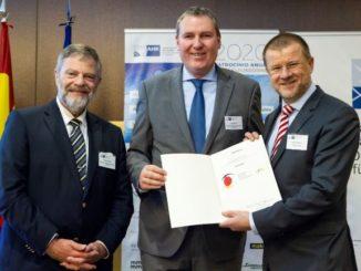 de izquierda a derecha: Wolfgang Dold (Embajador de la República Federal de Alemania), Ingo Winter (Director de FEDA Madrid) y Bernd Hullerum (Presidente de la Junta Directiva de FEDA Madrid y CEO de Transfesa Logistics).
