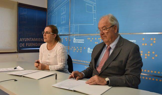 El presidente del Clúster Smart City y la alcaldesa de Fuengirola firman el acuerdo