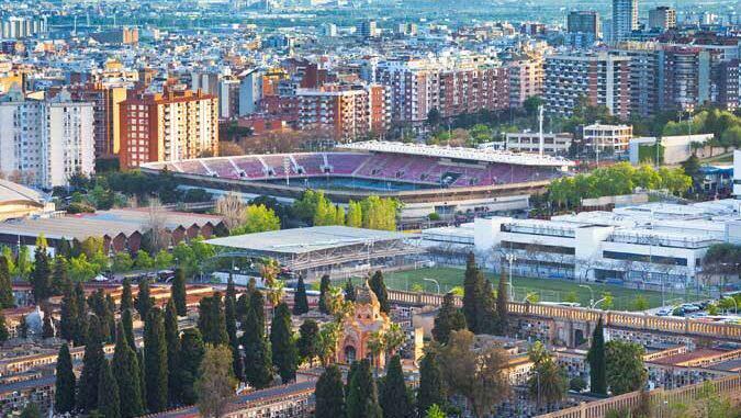 Barcelona: Cementiri de Les Corts, Mini Estadi de F.C. Barcelona.